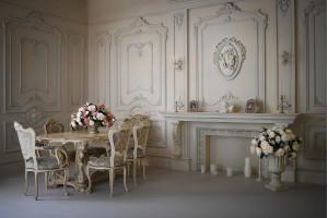 Нежный интерьер фотостудии, в котором использовался целый ряд продукции ErmitageDecor.